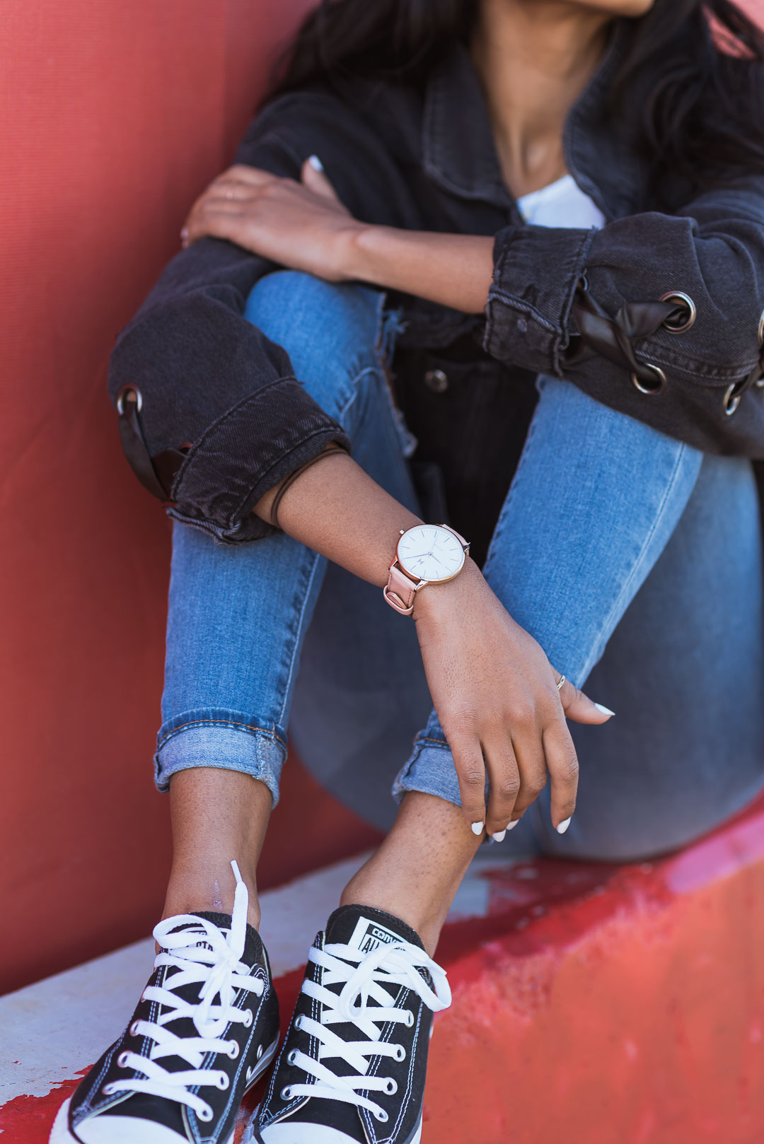 converse outfit sitting down